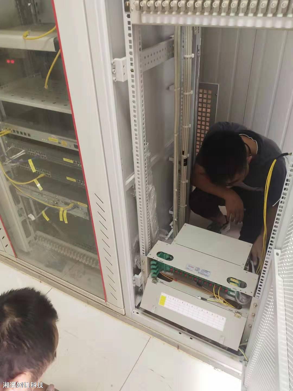 灰汤太阳能配电间熔纤服务(光纤熔接)